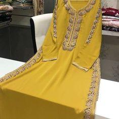 Morrocan Fashion, Stylish Kurtis Design, First Birthday Outfit Girl, Moroccan Caftan, Embroidery Dress, Kaftan, Fashion Photography, Girl Outfits, Fashion Dresses