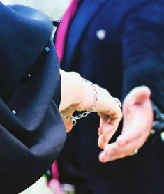 There is nothing that i want more than your hand is mine. Couple Goals Teenagers Pictures, Love Couple Images, Couples Images, Couples In Love, Couple Pictures, Happy Couples, Muslim Couple Photography, Girl Photography Poses, Perfect Couple
