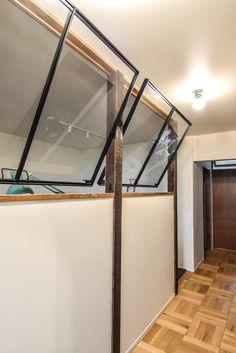 スチール製の室内窓