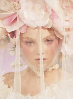 Heather Marks at Christian Lacroix Haute Couture Spring 2004 - veil & flowers Christian Lacroix, Ciel Rose, Fru Fru, Flower Headpiece, Floral Headdress, Belle Photo, Her Hair, Baroque, Pretty In Pink