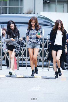 Tiffany x Yuri x Yoona Snsd Airport Fashion, Snsd Fashion, Korean Fashion, Fashion Models, Girl Fashion, Girl's Generation, Girls' Generation Taeyeon, Girl Day, My Girl