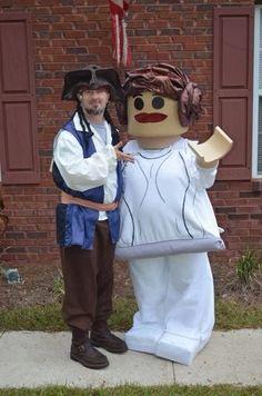 Best homemade lego costume EVER! Lego Princess Leia and Captain Jack Sparrow!