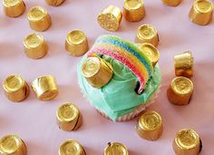 St. Patrick's Day Rainbow Cupcakes -- So cute!
