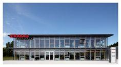 STRABAG office building Hausleiten (Lower Austria), front view Office Buildings, Austria, Outdoor Decor, Home Decor, Building Ideas, Detached House, Homes, Homemade Home Decor, Decoration Home