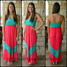 This dress is of my favorites, love the style and the color. Maxi dresses are so great for summer. Apricot Lane Boutique - San Antonio #apricotlanesweetstyles
