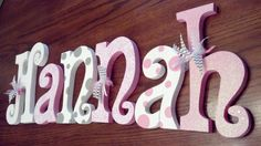 maybe instead of bows do butterflies Diy Letters, Letter A Crafts, Wood Letters, Girl Nursery, Nursery Decor, Nursery Letters Girl, Baby Decor, Baby Shower Decorations, New Baby Crafts