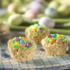 Definitely Making these yummy treats for my little girls easter school party!!!
