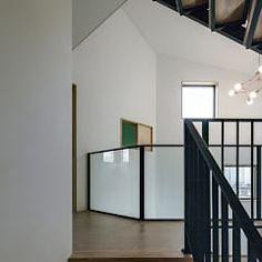 Pasillos, vestíbulos y escaleras de estilo moderno de 코비 건축사사무소