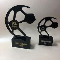 Trofeos de Futbol @multiformaslaser #futbol #trofeos #cortelaser #personalizado #torneofutbol #camponatodefutbol