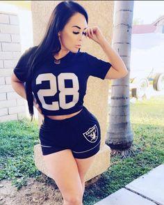 Raiders Cheerleaders, Raiders Football, Oakland Raiders Images, Raiders Girl, Gangsta Girl, Latina Girls, Raider Nation, Peep Toe Heels, Girl Style