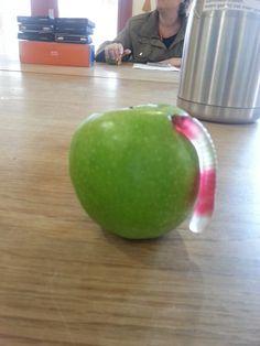 Appel met snoepworm