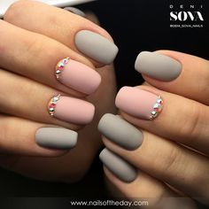 Матовый маникюр 2016. Подборка модных тенденций маникюра | Nailsoftheday.com Grey Matte Nails, Matte Nail Polish, Nail Polish Colors, Pink Nails, Nails Design, Nail Polish Designs, Nail Art Designs, Pastel Grey, Pink Grey