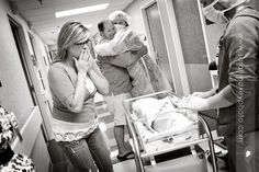 famili reaction, birth photography c section, birth photographi