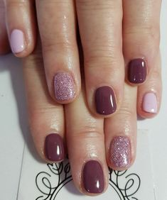 In seek out some nail designs and some ideas for your nails? Listed here is our list of must-try coffin acrylic nails for modern women. Sparkle Nails, Fancy Nails, Pretty Nails, Classy Gel Nails, Mauve Nails, Pink Nails, Iris Nails, Neutral Nail Art, Dipped Nails