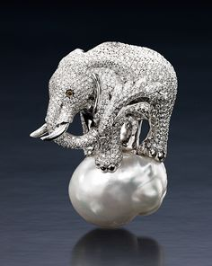 A pave diamond elephant and south sea baroque pearl. The elephant is even splashing water with it's trunk! Cultured Pearl Necklace, Pearl Jewelry, Jewelry Art, Diamond Jewelry, Vintage Jewelry, Fine Jewelry, Pearl Necklaces, Jewellery, Body Jewelry