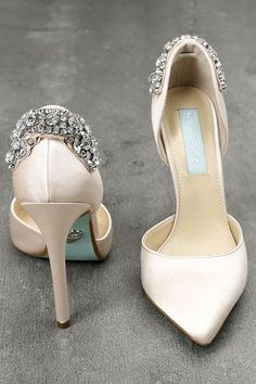 e4d4dee304bc Blue by Betsey Johnson Rosie Champagne Satin Pumps 2 Champagne Heels