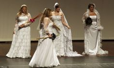 Plus size wedding gowns at Brazilian Plus Size Fashion Weekend