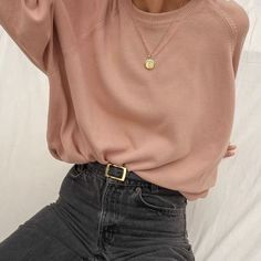 SOLD Vintage rose nude cotton knit pullover best fits xs-l. Mode Outfits, Fall Outfits, Casual Outfits, Fashion Outfits, Womens Fashion, Hijab Casual, Ootd Hijab, Casual Jeans, Dress Casual