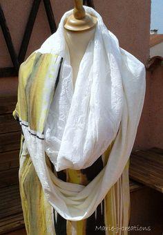 Echarpe imposante, écrue et imprimée, réalisée dans trois matières différenes. Par marie-j-creations : Echarpe, foulard, cravate par marie-j-creations