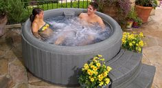 8 of the best modern brands of inflatable hot tubs, whom have gained wider popularity in recent times. Learn of several top notch companies, that manufacture some of the best blow up tubs and spas.
