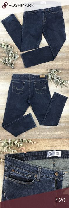 Levi Strauss Jeans Cute basic straight mid rise Levi Strauss jeans! In good condition. 98% cotton, 2% elastane. Size 16. See images for measurements. K-13 Signature by Levi Strauss Jeans Straight Leg