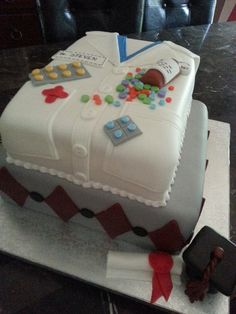 Pharmacist graduation cake