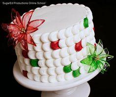 #KatieSheaDesign ♡❤ ❥ Cakegelatin fantasy poinsettias via @CakesDecor | #Christmas #Cakes