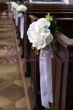 Flowers church wedding ceremony Hochzeit Blumenschmuck in ...