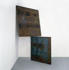 """Corner Prop № 8 (Orozco and Siqueiros)"" 1983 Richard Serra. Cor-ten steel. Upper plate: 182 x 191 x 6.3 cm (71¾ x 75¼ x 2½"") Lower plate: 145 x 150 x 6.3 cm (57 x 59 x 2½"")."