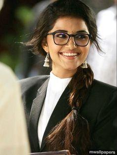 South Actress, South Indian Actress, Indian Film Actress, Indian Actresses, Ganesh Lord, Anupama Parameswaran, Turkish Men, Most Beautiful Indian Actress, Celebs