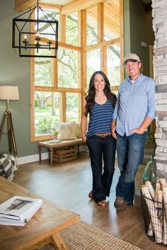 Season 4 Fixer Upper | Episode 2 | Chip & Joanna Gaines | The Mid Century Modestly Priced House | Waco, TX