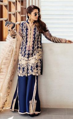 Pakistani Fancy Dresses, Pakistani Party Wear, Pakistani Dress Design, Pakistani Outfits, Indian Outfits, Pakistani Clothing, Girls Fancy Dresses, Frocks For Girls, Party Wear Dresses