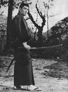 Ken Takakura Japanese Film, Japanese Men, Vintage Japanese, Action Icon, Fukuoka, Retro, Martial Arts, Eye Candy Men, All Art