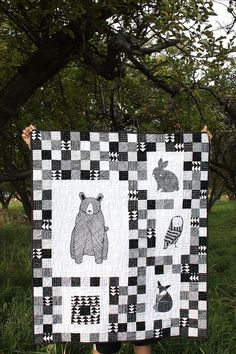 Thicket Black and White Baby Quilt ~ Diary of a Quilter