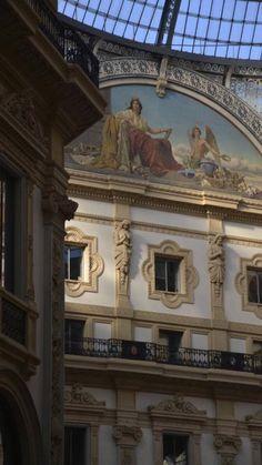 Il salotto di Milano Milano, Louvre, Italy, Building, Travel, Art, Art Background, Italia, Viajes