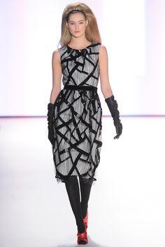 Carolina Herrera Fall 2012 Ready-to-Wear Fashion Show - Juju Ivanyuk