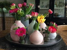 Spring Is Here, Pretty Flowers, Flower Power, Glass Vase, New Homes, Pottery, Easter, Ceramics, Table Decorations