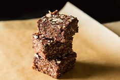 Chocolate, almond butter, and sea salt with the crunch of a rice crispy treat? Yum. - Hippie Crispie Treats
