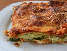 Υλικά 6 τεμάχια λαζάνια 400 γραμ σπανάκι ψιλοκομμένο 1 τυρί κρέμα κουτάκι 250 γραμ λίγο μαιντανό 1 κουτί ντομάτα έτοιμη σάλ...
