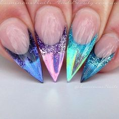 #Chrome claws have never looked better than this set by @luminousnails.