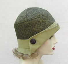 Vintage Style Flapper Hat Art Deco Olive Green by BuyGail Crochet version. Flapper Hat, Flapper Style, 1920s Flapper, Vintage Fashion, Vintage Style, Vintage Hats, 1920s Outfits, Millinery Hats, Hat Hairstyles