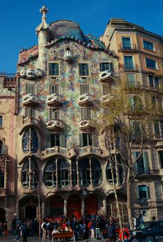 Casa Batllo is an architectural masterpiece designed by Antonio Gaudi. Check out the colorful, modern facade of this amazing building. Barcelona must see!