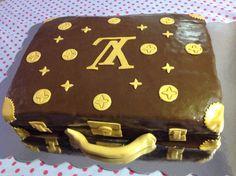Tarta Louis Vuitton ... Genial !!! Sugar Cake, Louis Vuitton, Pies, Cooking, Louis Vuitton Wallet, Louis Vuitton Monogram