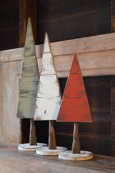 Base and tree totals 22 high, Tree height itself is All handmade by John La Porta. The wood color and texture may slightly vary from the listings pictures. Just as in nature, you may find cracks, variations in the wood and other natural imperfections i Christmas Wood Crafts, Pallet Christmas, Wood Christmas Tree, Rustic Christmas, Christmas Art, Christmas Projects, Christmas Tree Ornaments, Holiday Crafts, Christmas Holidays