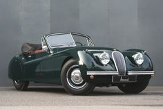 Jaguar XK 120 DHC in British Racing Green