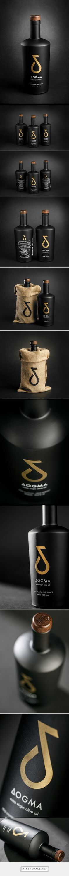 OGMA Extra Virgin Olive Oil by Ioannis Fetanis for Dogma Gourmet(Oil Bottle Design) Olive Oil Packaging, Honey Packaging, Glass Packaging, Cool Packaging, Brand Packaging, Olives, Olive Oil Bottles, Web Design, Label Design