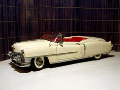 Cadillac Eldorado 1953.  If I had the money I'd take one each, '53 Eldo like this one, a '53 Buick Skylark and a '53 Olds Fiesta. All super rare GM cars.