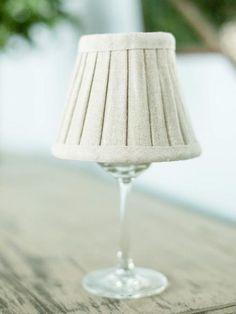 Mini wineglass lamp. Centerpieces With Wine Glasses, Diy Centerpieces, Wine Bottle Windchimes, Decorating Your Home, Diy Home Decor, Wine Decor, Painted Wine Glasses, Diy Projects To Try, Craft Projects