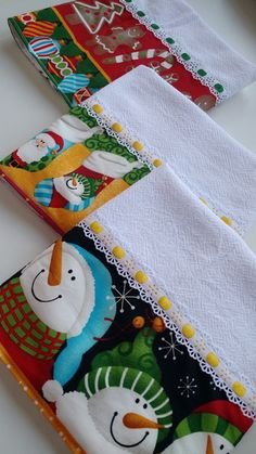 Small Sewing Projects, Sewing Hacks, Applique Towels, Tea Towels, Alice, Pot Holders, Christmas Stockings, Holiday Decor, Diy