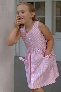 Frocks For Girls, Kids Frocks, Little Girl Dresses, Girls Dresses, Frock Design, Fashion Kids, Boys Sewing Patterns, Dress Patterns, Baby Frocks Designs